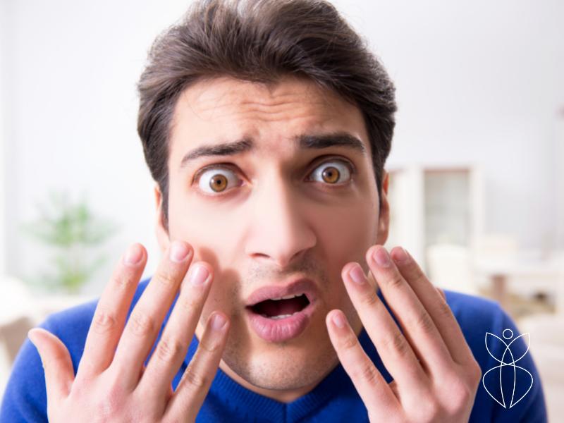 Gistpuistjes (pityrosporon folliculitis) in het gezicht