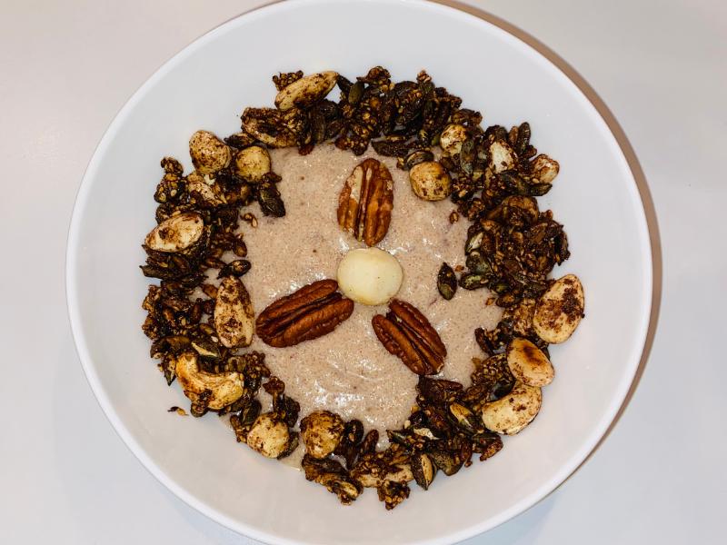 Homemade kokos-amandelyoghurt met granola