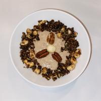 Kokos-amandelmelk shake met zelfgemaakte granola