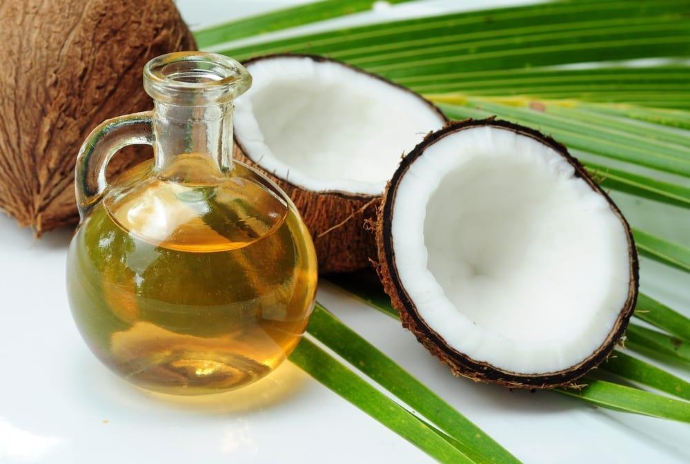 Kokosolie verstopt de poriën bij acne gevoelige huid