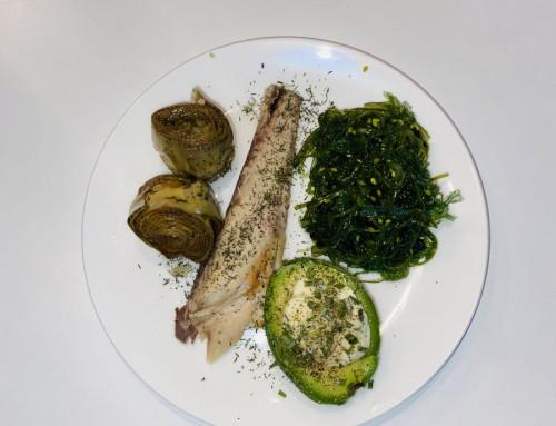 Makreel wakame avocado en artisjokharten