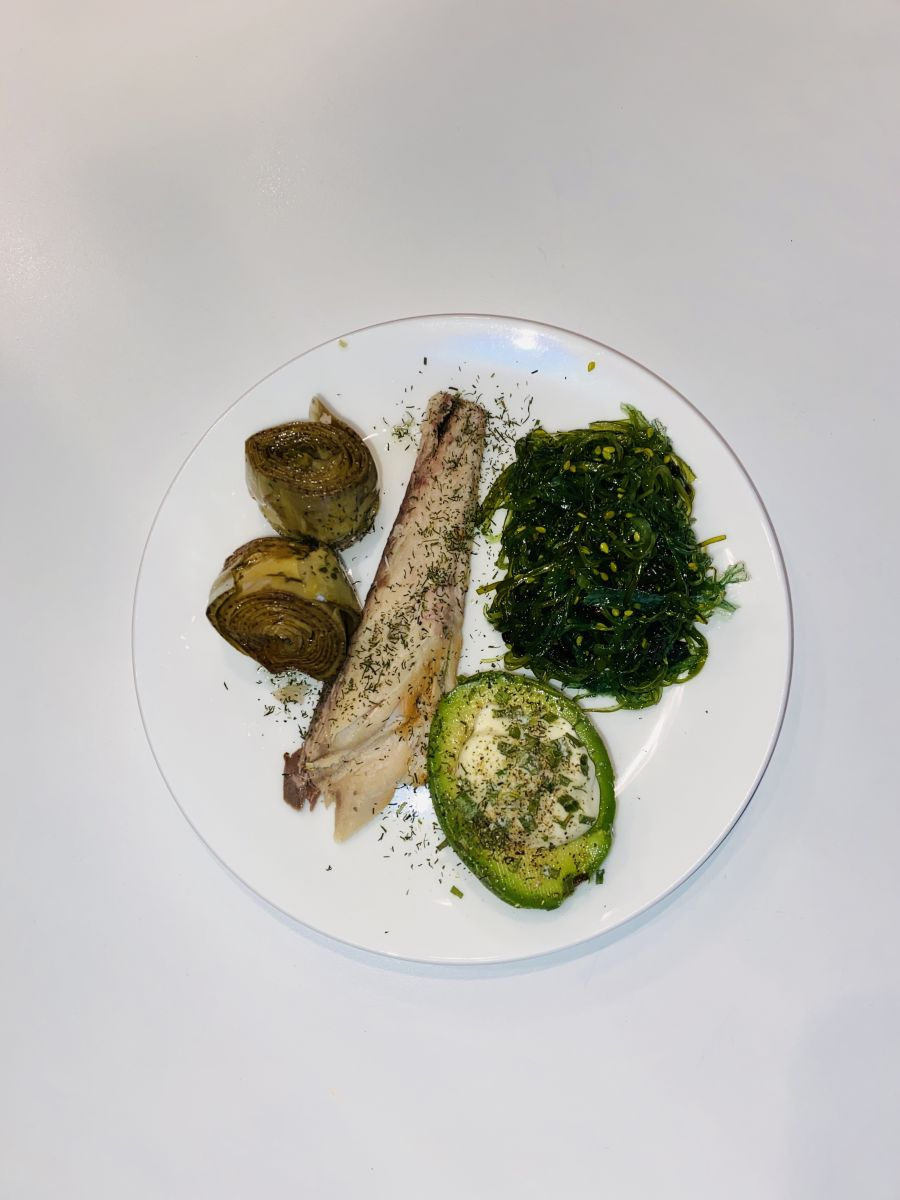 Makreel wakame en avocado