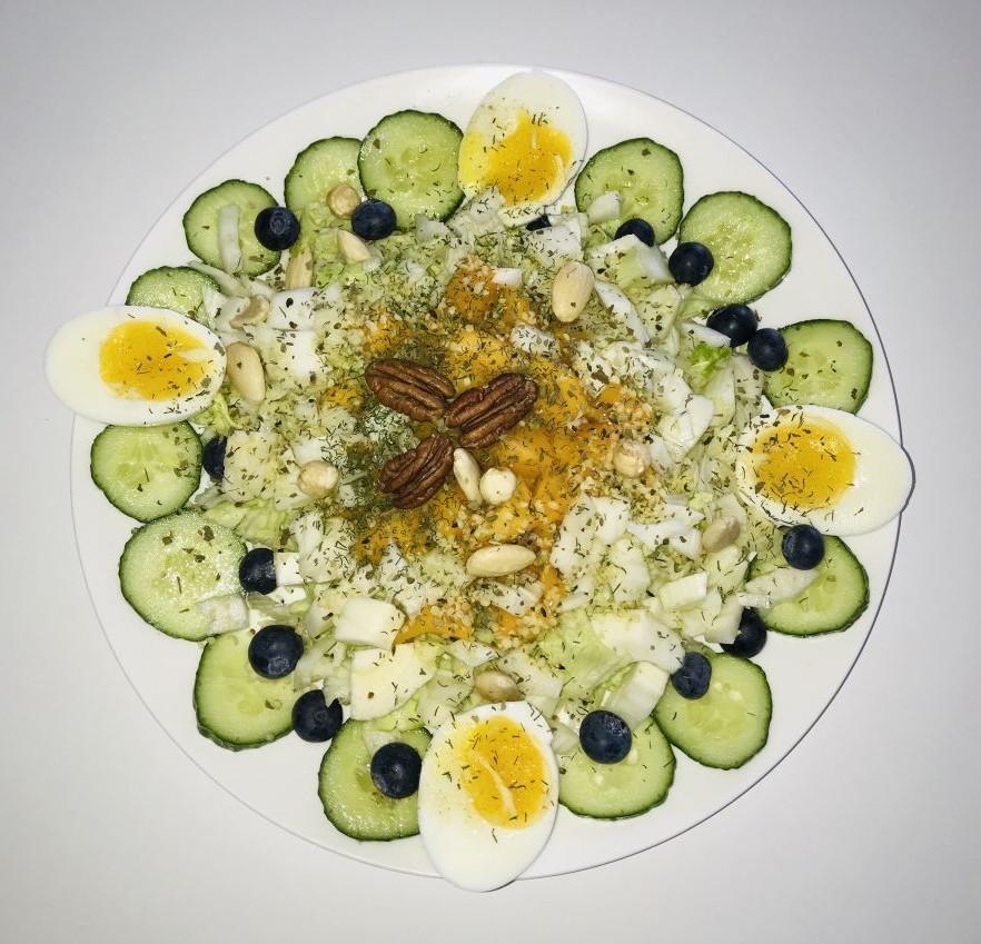 Salade met mango en blauwe bessen
