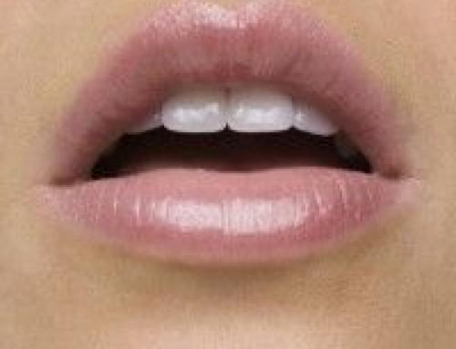 Droge schrale lippen
